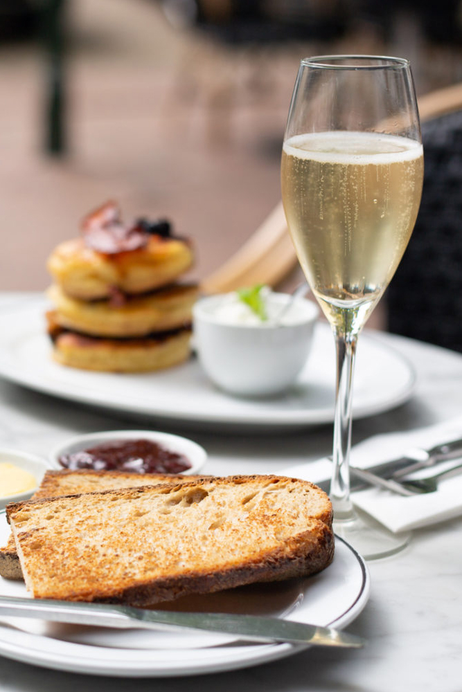BOTTOMLESS BRUNCH - TOAST AND SANDWICH